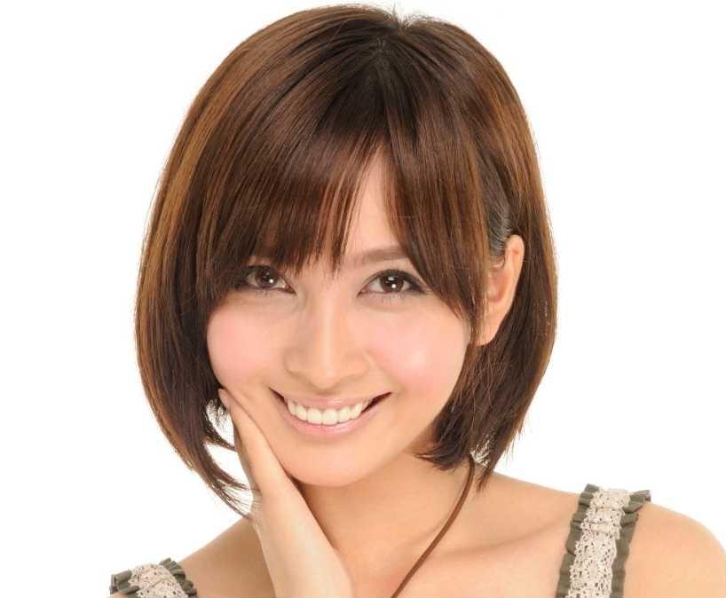 笑顔の加藤夏希。